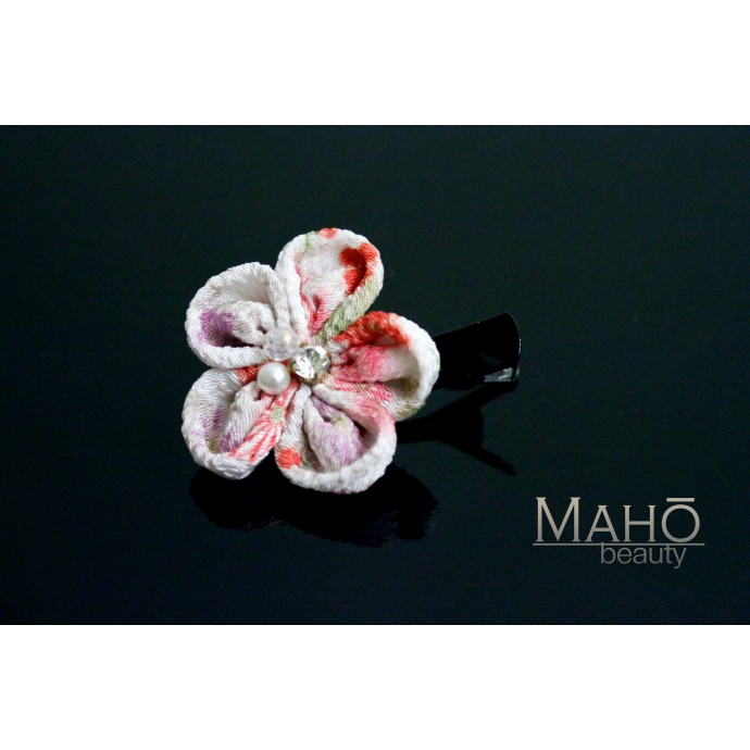 Chirimen crepe flower Japanese Kimono Pattern Hair clip white