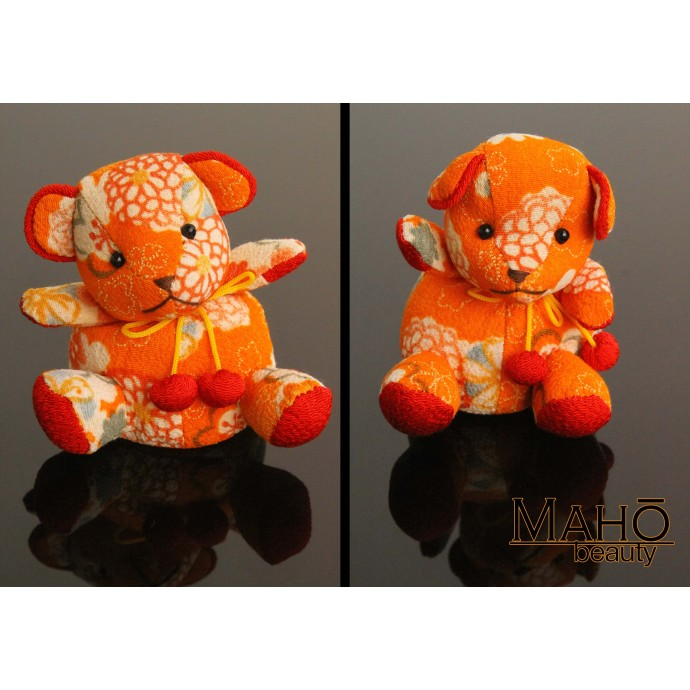 Little Japanese kimono Chirimen teddy bear keychain (orange)