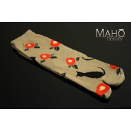Adorable Japanese style Tabi socks: Cat and camellia beige 猫と椿 ベージュ