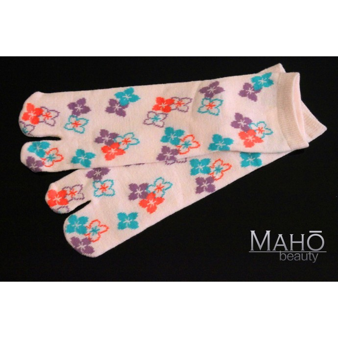 Lovely Japanese style Tabi socks: pink flowers